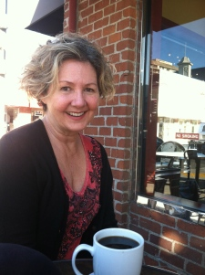 Lisa Keating in Beverly Hills after her Mika Fowler hair cut.