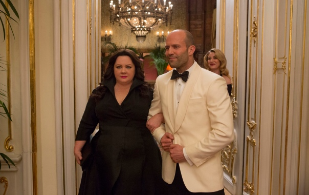 "DF-04541_R2 Susan Cooper (Melissa McCarthy) and her fellow CIA operative Rick Ford (Jason Statham) pose as a ""happy"" couple as they go deep undercover to stop an arms dealer."